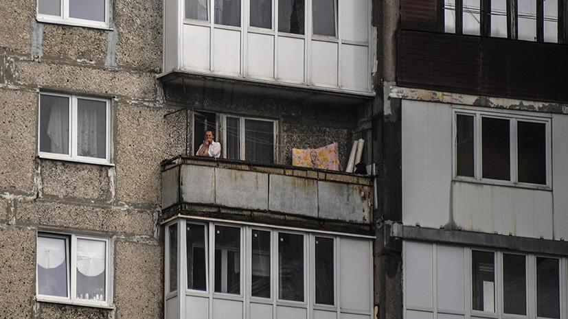 Сигареты, мангалы, свечи: правительство запретило разводить открытый огонь на балконах