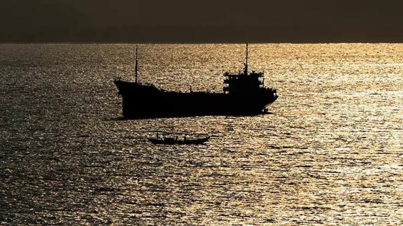 В Атлантическом океане спасли трёх членов экипажа суднаBourbon Rhode