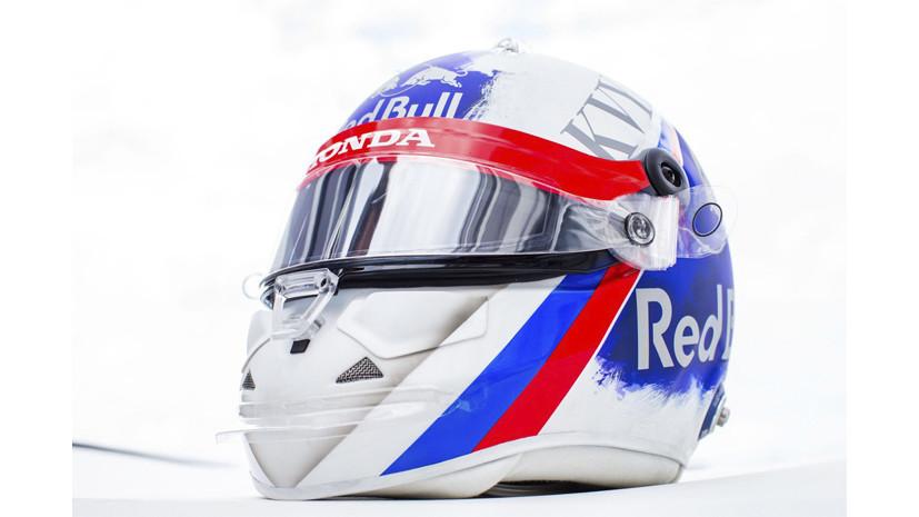Toro Rosso показала запрещённый FIA шлем Квята для Гран-при России