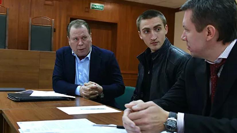 Мосгорсуд приобщил видео задержания Устинова к материалам дела