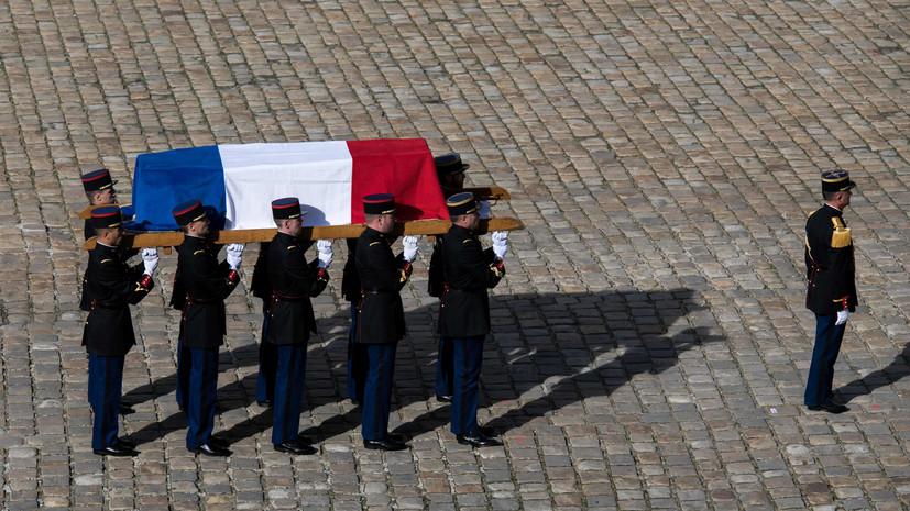 Ширака похоронили на кладбище Монпарнас