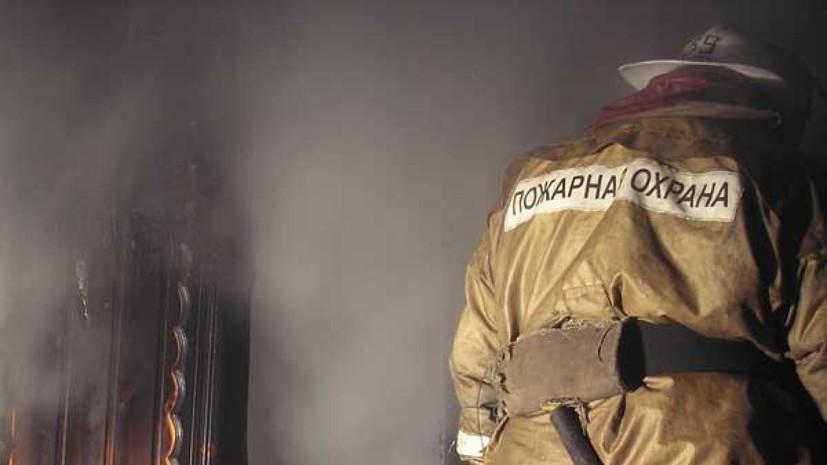 Два человека погибли при пожаре в многоэтажке в Волгограде