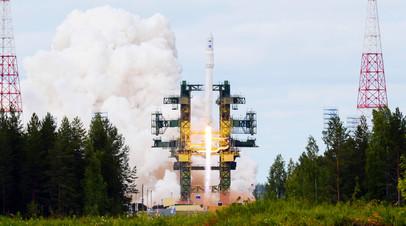 Запуск российской ракеты космического назначения с космодрома Плесецк