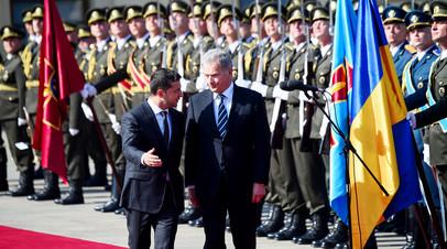 Президент Украины Владимир Зеленский во время встречи с президентом Финляндии Саули Ниинистё в Киеве