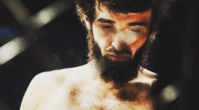 СМИ: Россиянин Магомедшарипов не выступит на турнире UFC в Бостоне
