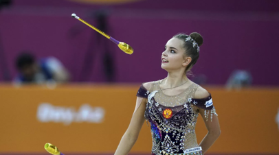 Дина Аверина победила в упражнении с булавами на ЧМ по художественной гимнастике