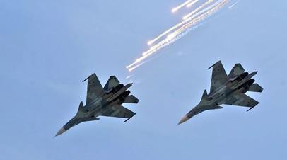 Самолёты России и КНР на учениях нанесли удар по «противнику»