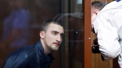 Актёр Павел Устинов