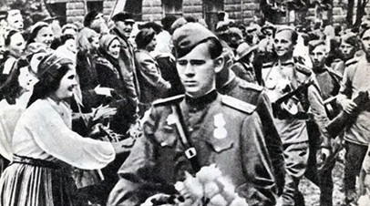 Воины 8-го Эстонского корпуса вступают в Таллин. Сентябрь 1944 года