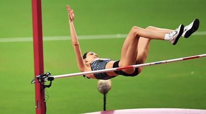 Мария Ласицкене в финальных соревнованиях по прыжкам в высоту среди женщин на чемпионате мира по легкой атлетике 2019 в Дохе.