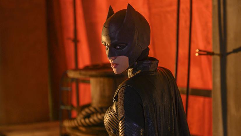 Сильные женщины и мужчины-супергерои: какие сериалы смотреть в октябре