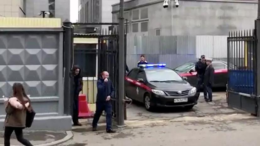 Смертельно ранившему сотрудника СК мужчине предъявлено обвинение
