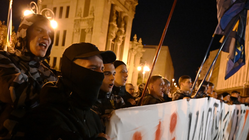 Участники митинга в Киеве направились к офису президента