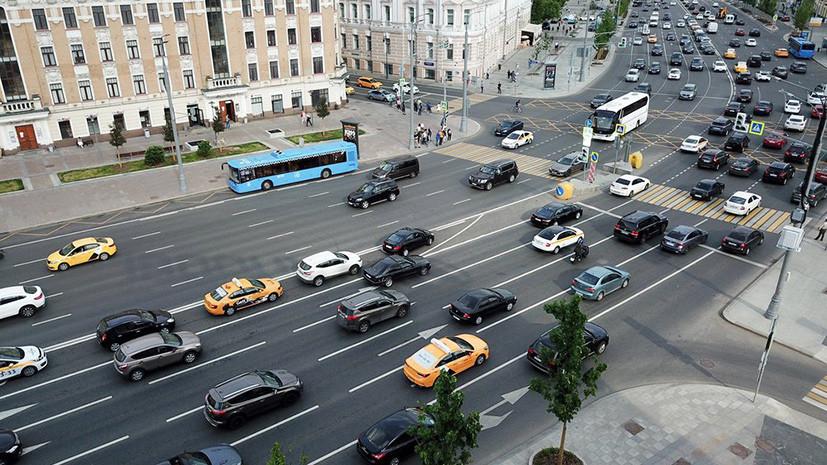 В России предложили поощрять водителей за сообщения о нарушителях ПДД
