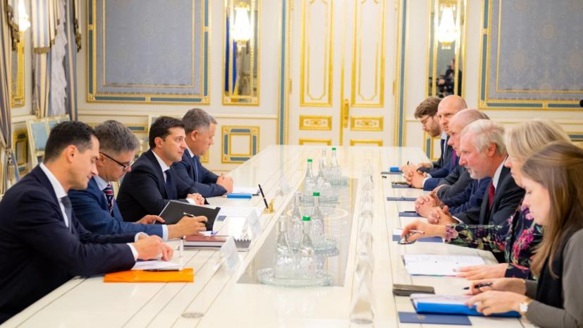 Зеленский обсудил с главой МИД Нидерландов расследование дела MH17