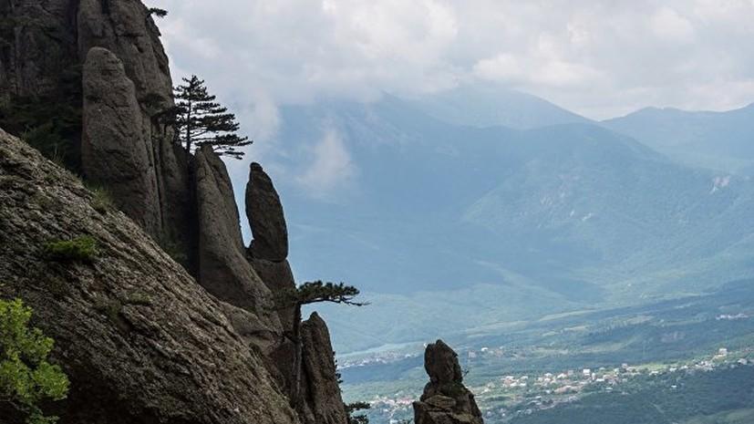 В Крыму эвакуировали туристов, заблудившихся в горах
