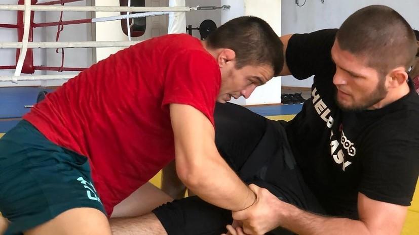 Нурмагомедов показал спарринг с двоюродным братом