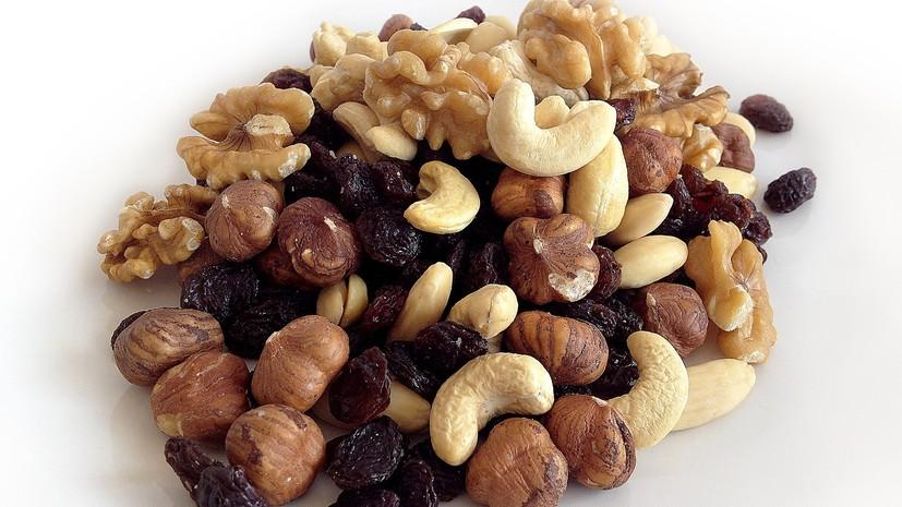 Диетолог рассказала о полезных свойствах орехов