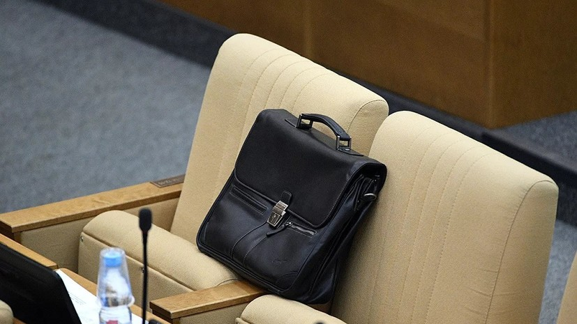 В Минтруде заявили о «феминизированности» госслужбы в России
