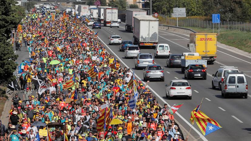 Число задержанных в ходе беспорядков в Каталонии возросло почти до 100