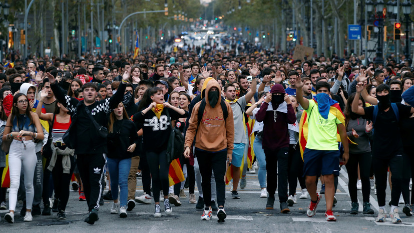 RFEF подтвердила перенос матча «Барселона» — «Реал» из-за протестов в Каталонии