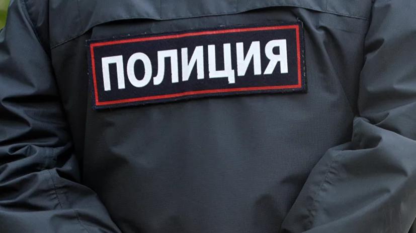Пьяный мужчина ударил полицейского ножом в московском метро