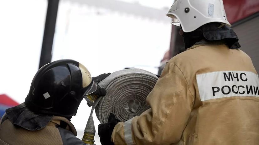 Крупный пожар на складе на западе Москвы ликвидирован