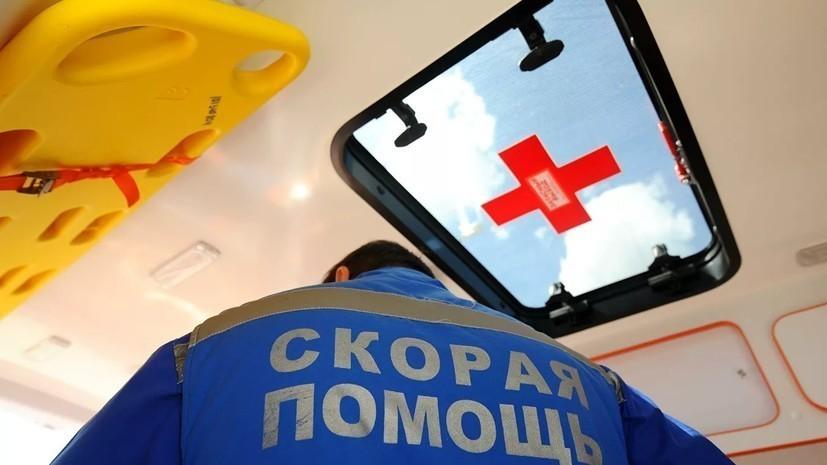 В Петербурге маршрутка врезалась в трамвай