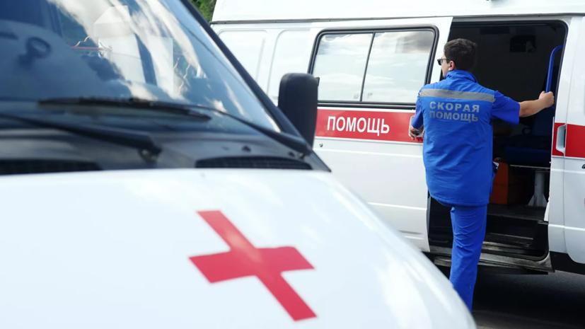 В МЧС уточнили число пострадавших при ДТП в Петербурге с участием трамвая