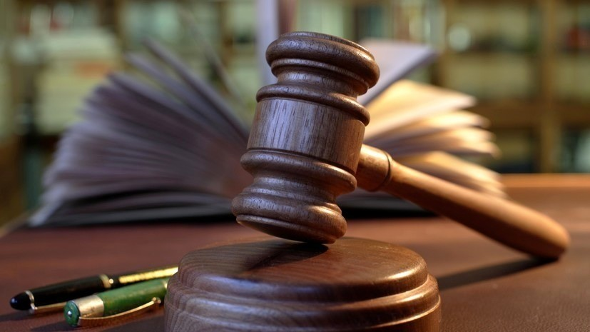 Суд заочно арестовал украинца по делу о нападении на посольство России