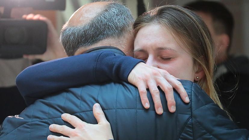 «Очень рада вернуться домой»: Мария Бутина прилетела в Москву