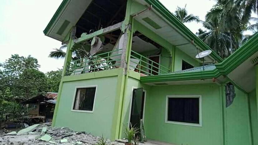 На Филиппинах три человека погибли при землетрясении