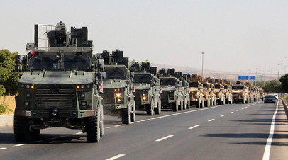Колонна военной техники Турции возле границы с Сирией