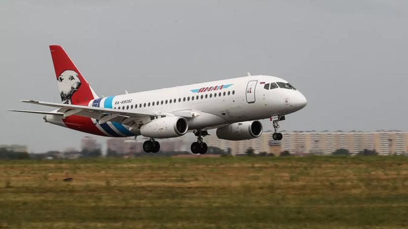 SSJ100 с отказавшим двигателем приземлился в тюменском аэропорту