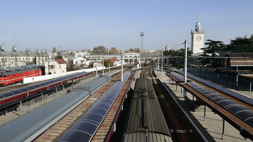Более 12 тысяч билетов продано на первые поезда в Крым и обратно