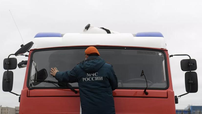 В Свердловской области ликвидировали открытое горение на стройбазе