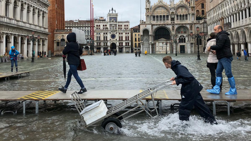 В Венеции оценили ущерб городу от наводнения