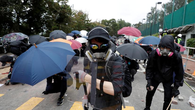 Си Цзиньпин призвал власти Гонконга восстановить порядок в городе