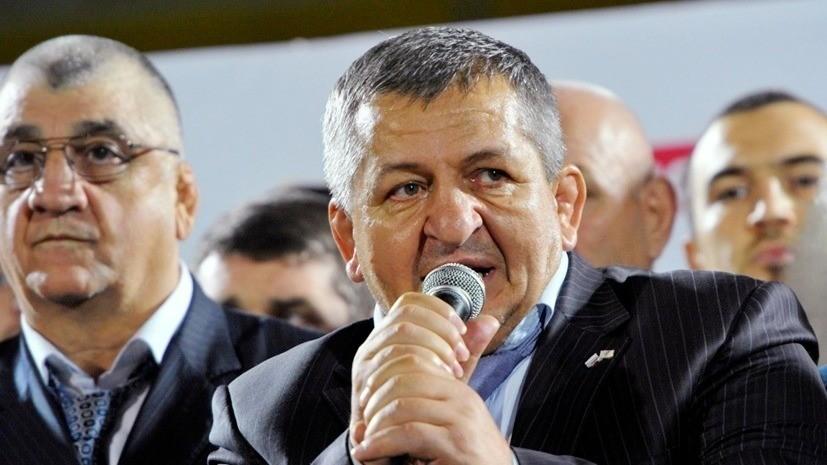 Отец Нурмагомедова признался, что на свадьбе Хабиба присутствовали несколько тысяч людей