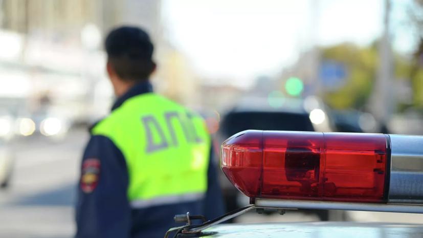В Волгограде грузовик протаранил более десяти машин
