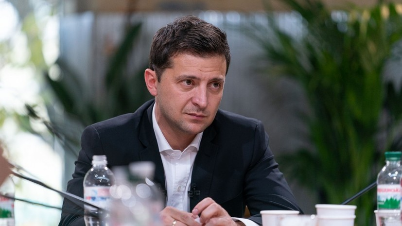 Зеленский заявил о планах обсудить проведение выборов в Донбассе