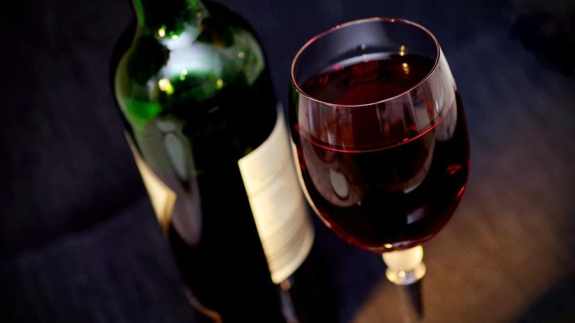 В России предложили продлить продажу отечественного вина до полуночи