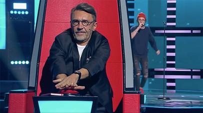 «Футбольные клубы» наставников и Шнуров — третий лишний: как жюри выбирало участников в четвёртом выпуске шоу «Голос»