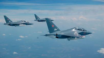 Як-130 в воздухе