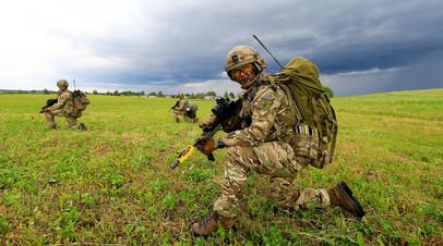 Солдаты британской армии во время учений НАТО