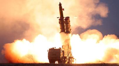 Испытание сверхкрупного реактивного орудия КНДР