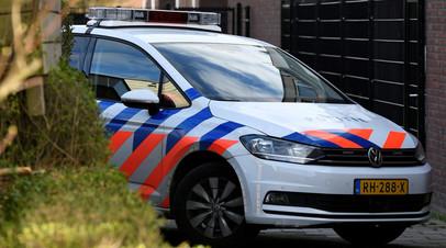 «Полиция разыскивает нападавшего»: в Гааге злоумышленник ранил ножом трёх человек