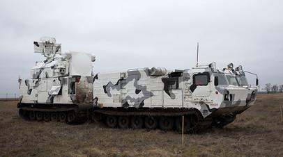 Арктический зенитный ракетный комплекс ПВО «Тор-М2ДТ» на базе вездехода ДТ-30 во время учений на территории 726 учебного центра войсковой ПВО в городе Ейске