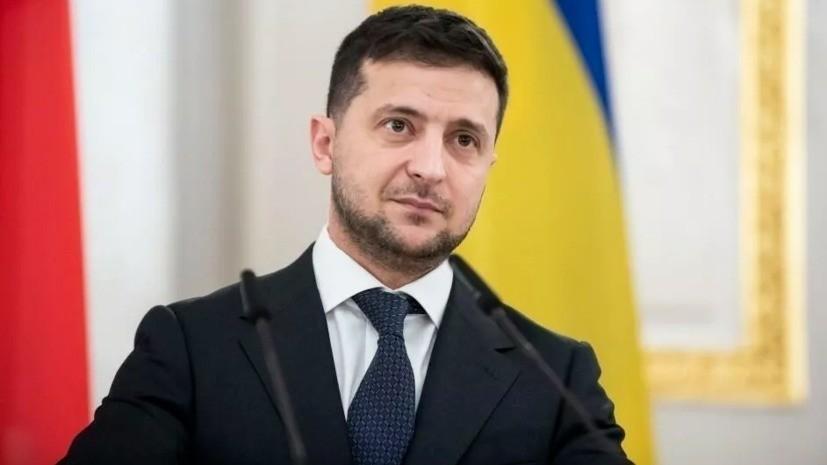 Зеленский заявил, что в политике никому не доверяет