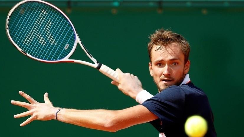 Медведев признан лучшим теннисистом года в России